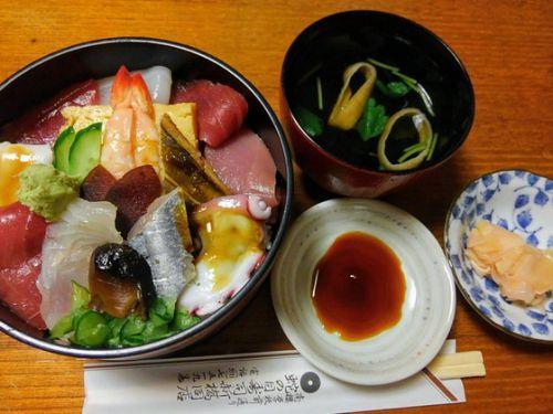 お昼に海鮮丼をいただいた件➰蛇の目寿司