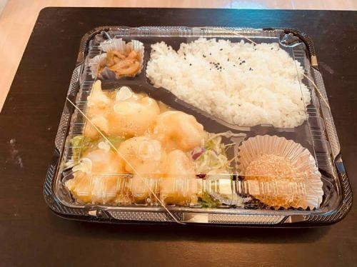 【画像】この「できたて中華弁当」にいくら払える???