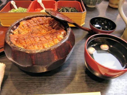バカ「名古屋飯まずw」ワイ「うん。ひつまぶし、味噌カツ、どて煮食べられないけど大丈夫そ?」